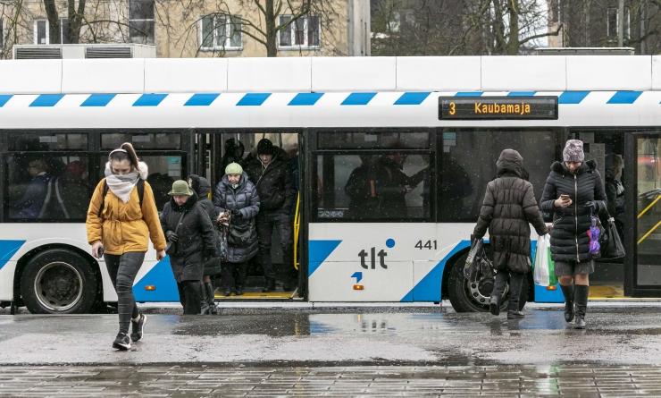 Jüri Ratas: tasuta sõiduõigus on parandanud eelkõige eakate ja kooliõpilaste liikumisvõimalusi