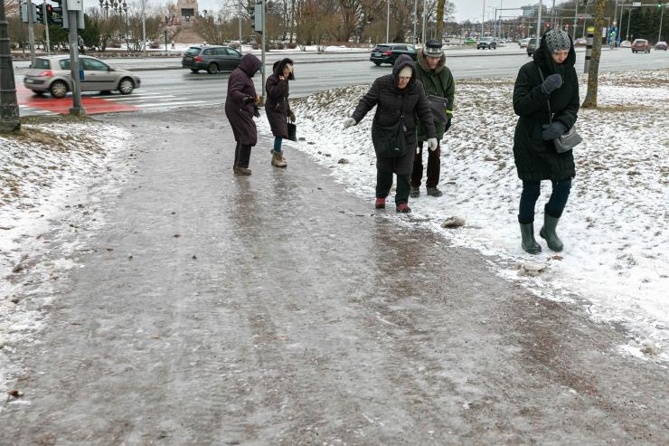 Üle Eesti leviv lume ja vihmasadu tekitab teedel libedust