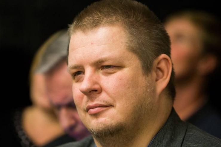 Erki Savisaar taunib Kalle Grünthali vaktsineerimisvastasust