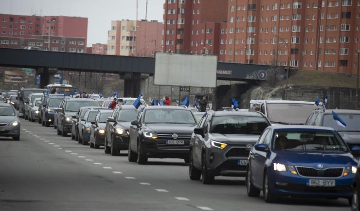 FOTOD! Meeleavaldajad korraldasid ummiku Laagna teel